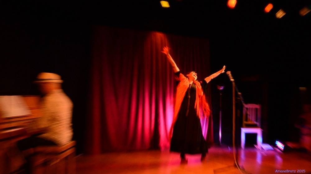 Photo Ariane Bratz - Cabaret le Magic