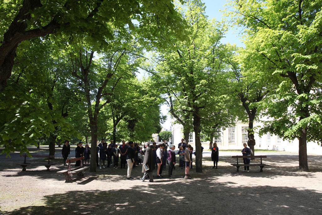 Le jardin et la cour des tilleuls - Photo de la mairie de Vanves